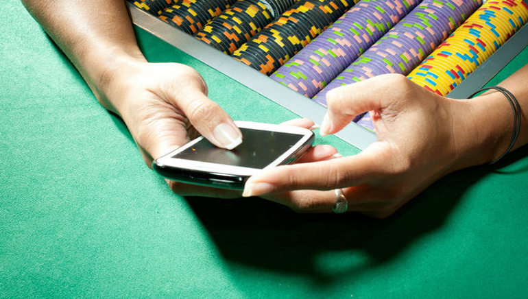 iPhone Poker Machine Apps Attacked