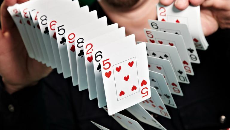 Two Aussie Online Casinos Compared