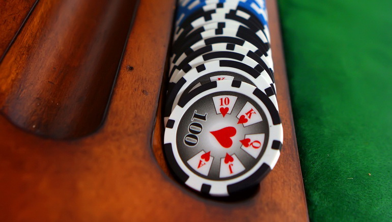 What to Buy a Poker-mad Dad?